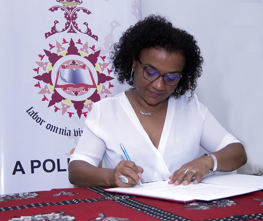 Rosania da Silva pro reitora da Universidade Politecnica