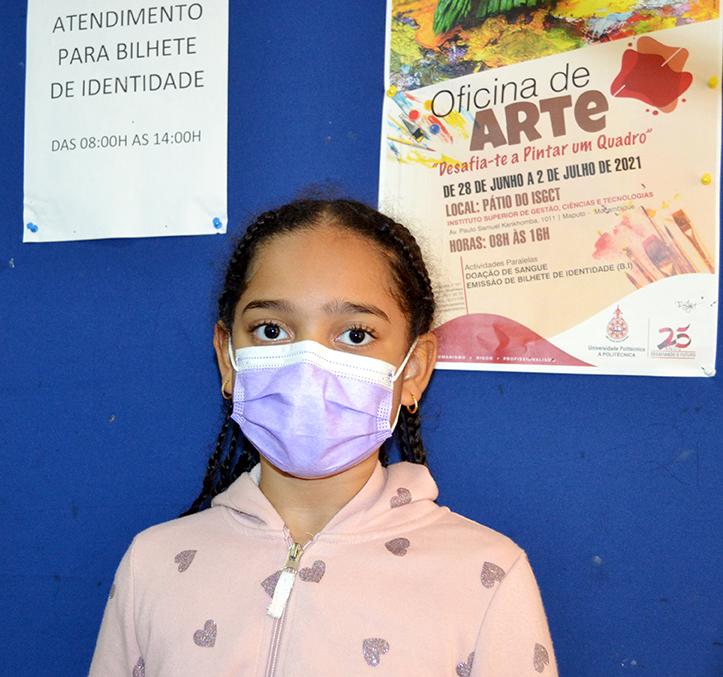 Sueyla Faizal Carsane, aluna do colégio privado da cidade de Maputo